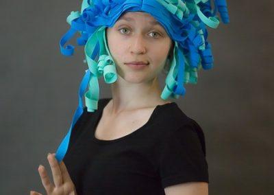 peruka foamiran niebieska 2