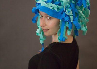peruka foamiran niebieska